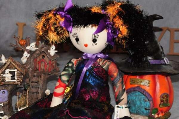 Anneeka skulls Rag Doll
